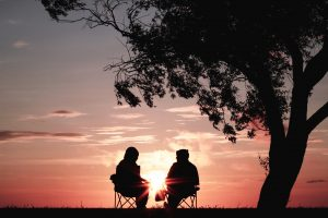 vieux-amis-coucher-soleil